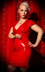 Mistress UK - Miss Pierced Laura the London Mistress